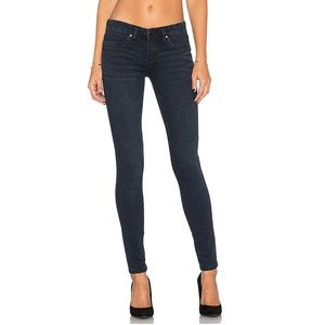 Blank NYC Dark Wash Skinny Spray On Jeans 29